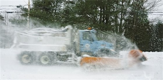 Kennebunk plow truck battling the storm