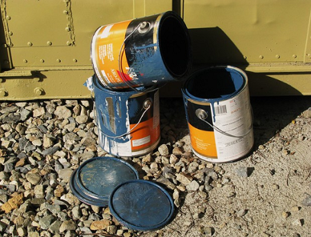 Recycle old paint cans